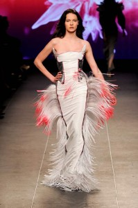 robes-de-soiree-et-styles-extravagants-de-la-mode-par-chouchourouge-5555